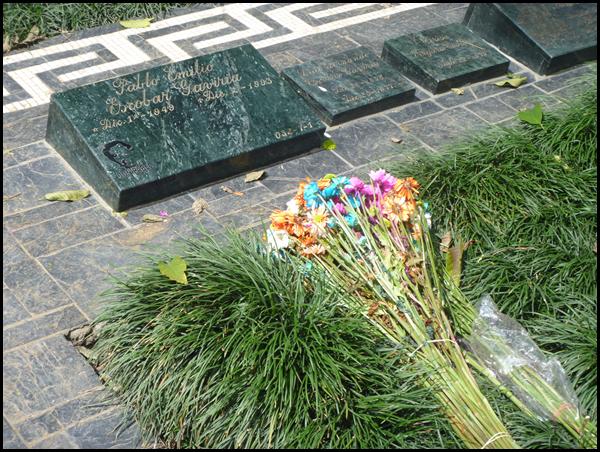 Escobar's grave