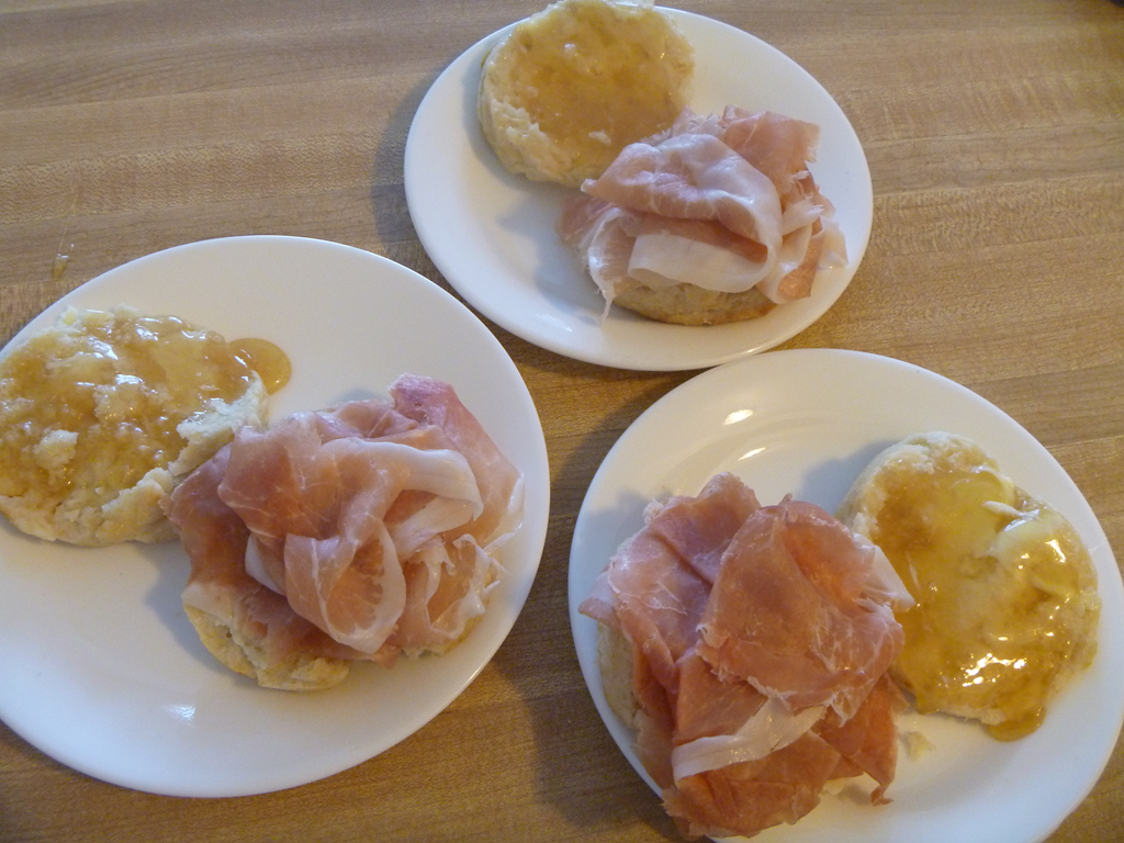 Prosciutto Honey Beescuit - Biscuit Recipe