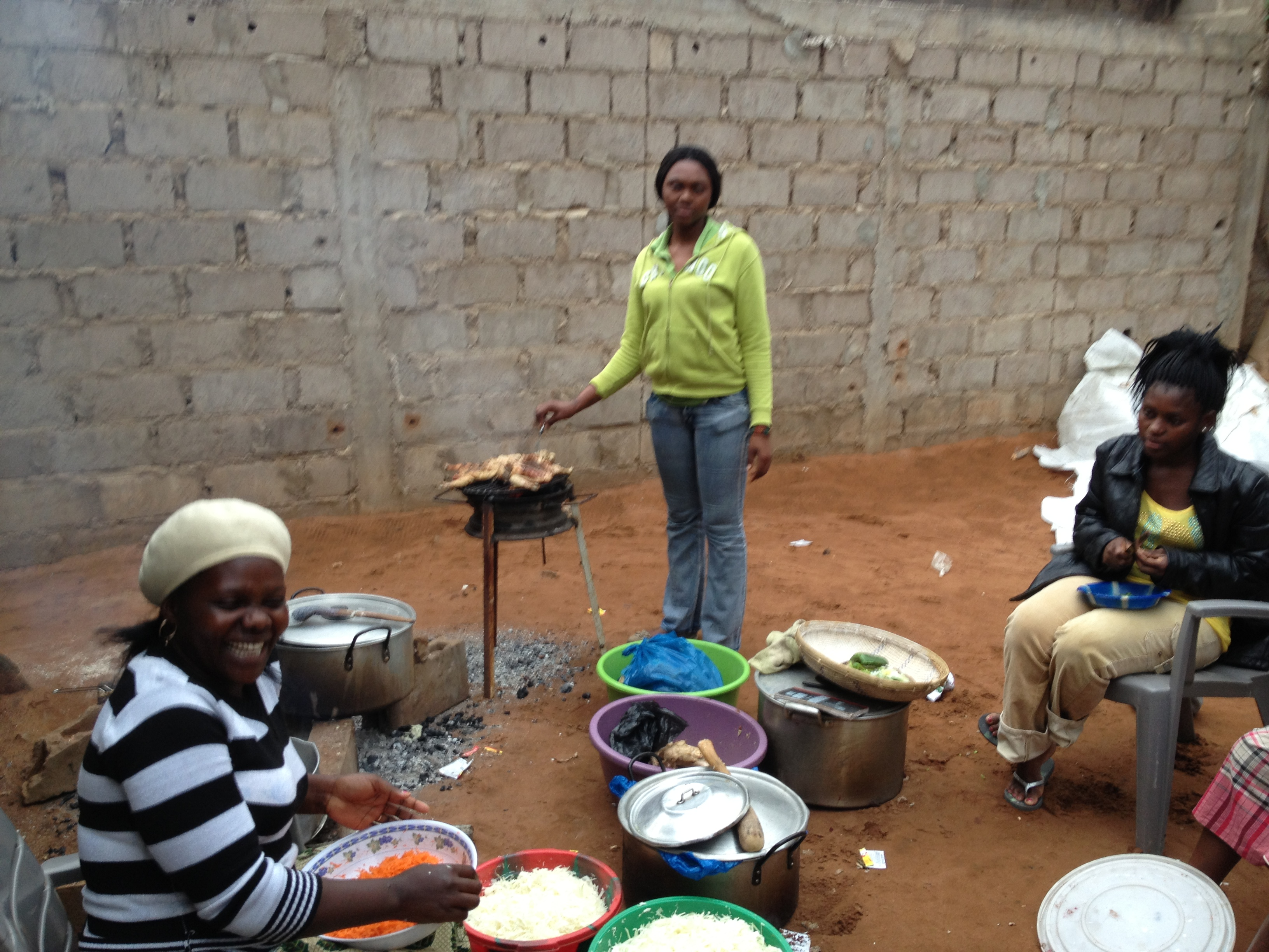 Mozambican women cooking